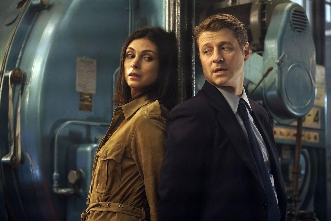 Leslie Thompkins (Morena Baccarin, l.); James Gordon (Ben McKenzie, r.) - Bildquelle: Giovanni Rufino 2019 Fox Broadcasting Co. / Giovanni Rufino