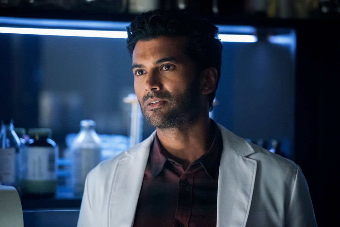 Dr. Ramsey Rosso (Sendhil Ramamurthy) - Bildquelle: Dean Buscher 2019 The CW Network, LLC. All rights reserved. / Dean Buscher