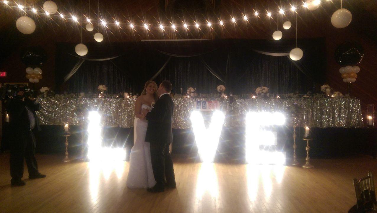 Chris und seine Freundin geben sich das Ja-Wort - ein ruhiger Moment im sonst so stürmischen Leben des Tornado Hunters ...