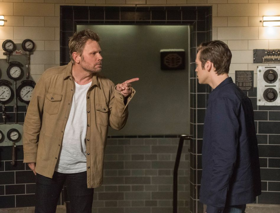 Lucifer (Mark Pellegrino, l.); Jack (Alexander Calvert, r.) - Bildquelle: Dean Buscher 2018 The CW Network, LLC. All Rights Reserved / Dean Buscher