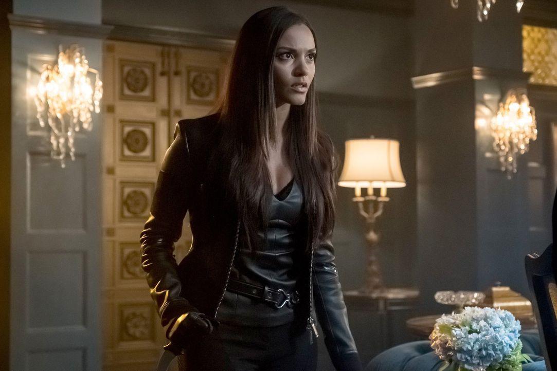 Lässt sich Tabitha (Jessica Lucas) zu einer neuen Geschäftspartnerschaft überreden? - Bildquelle: 2017 Warner Bros.