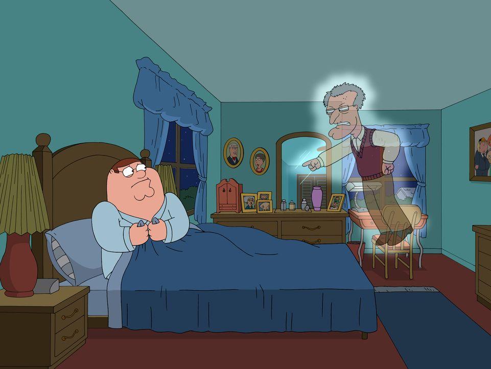 Peter (l.) lebt völlig überzeugt nach dem jüdischen Glauben, bis ihm sein Vater (r.) im Traum erscheint und ihn davor warnt, dass der in der Hölle l... - Bildquelle: 2007-2008 Twentieth Century Fox Film Corporation. All rights reserved.