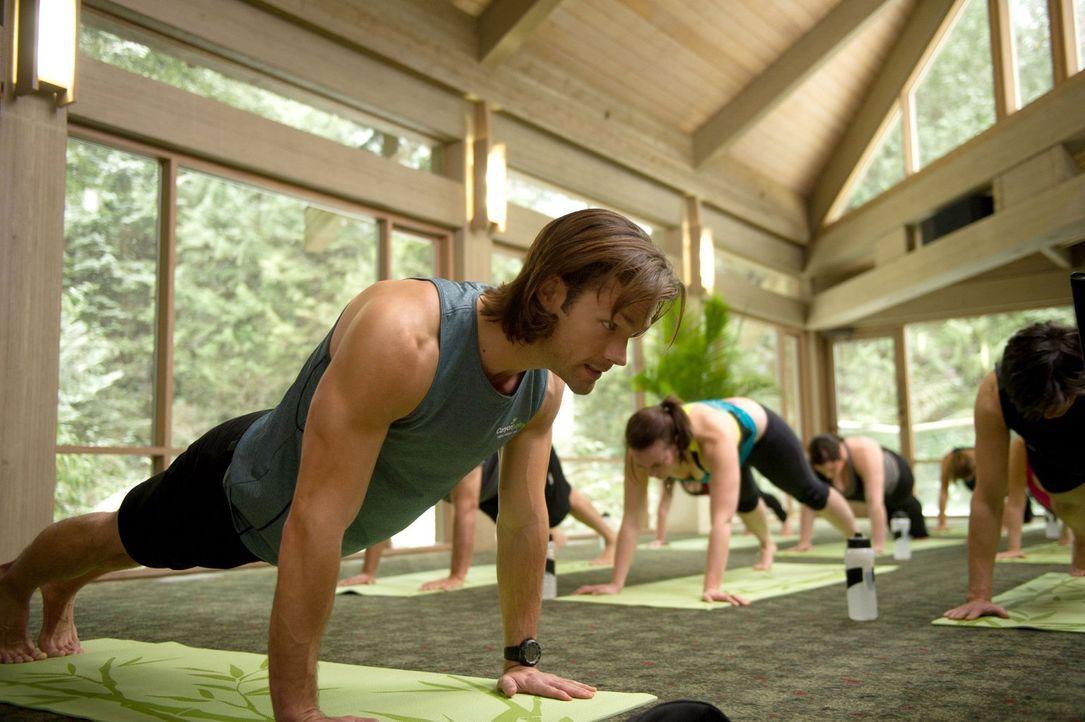 Während Sam (Jared Padalecki) sich als Fitnesstrainer versucht, nascht Dean vom Pudding für die Patienten - mit ungeahnten Folgen ... - Bildquelle: 2013 Warner Brothers