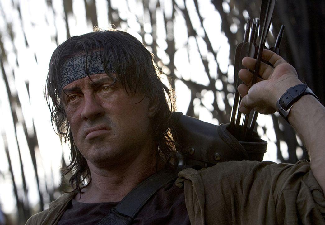 Rambo (Sylvester Stallone) macht kurzen Prozess ... - Bildquelle: Karen Ballard Nu Image Films