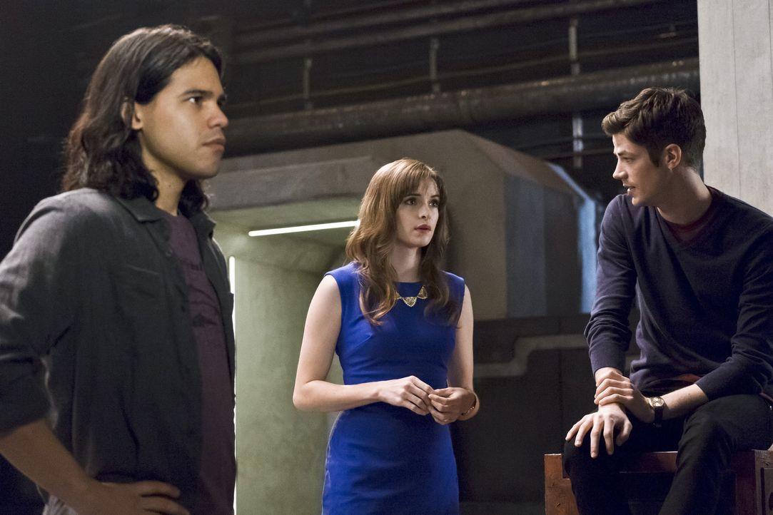 Ist es bereits zu spät, als Cisco (Carlos Valdes, l.), Caitlin (Danielle Panabaker, M.) und Barry (Grant Gustin, r.) erkennen, wozu Zoom tatsächlich... - Bildquelle: Warner Bros. Entertainment, Inc.