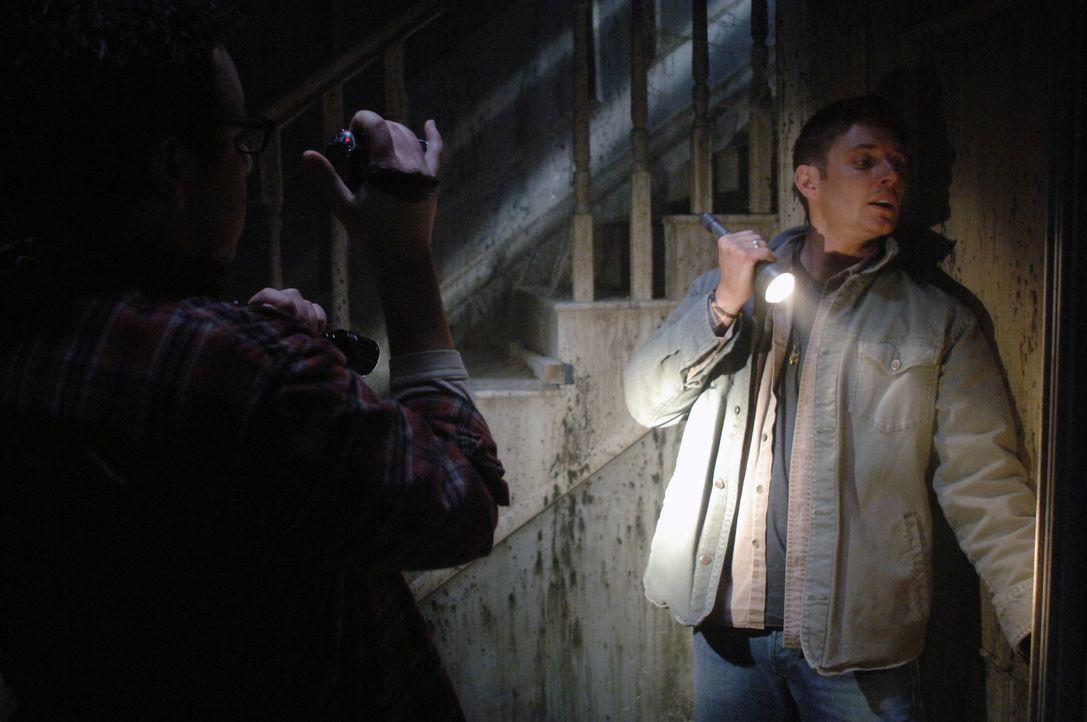 """Spielt in der Reality Show """"Ghostfacers"""" mit, was allerdings nach und nach zum brutalen Ernst wird: Dean (Jensen Ackles, r.) ... - Bildquelle: Warner Bros. Television"""