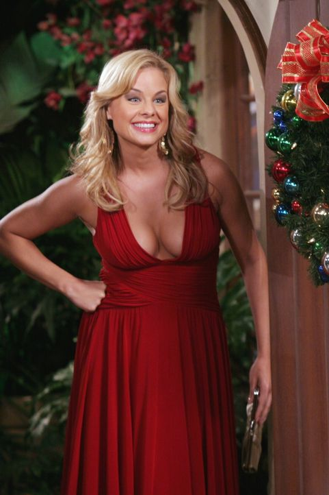Charlie kann es kaum noch erwarten, den Weihnachtsabend mit seiner neuen Freundin Gloria (Jessica Collins) alleine zu verbringen. Doch einige ungela... - Bildquelle: Warner Brothers Entertainment Inc.