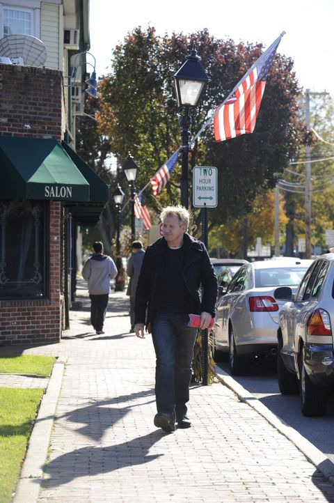 Gordon Ramsay macht sich auf den Weg, um zwei ehemaligen Kellnerinnen zu helfen, die das Lokal ihres damaligen Chefs übernommen haben ... - Bildquelle: Fox Broadcasting.  All rights reserved.