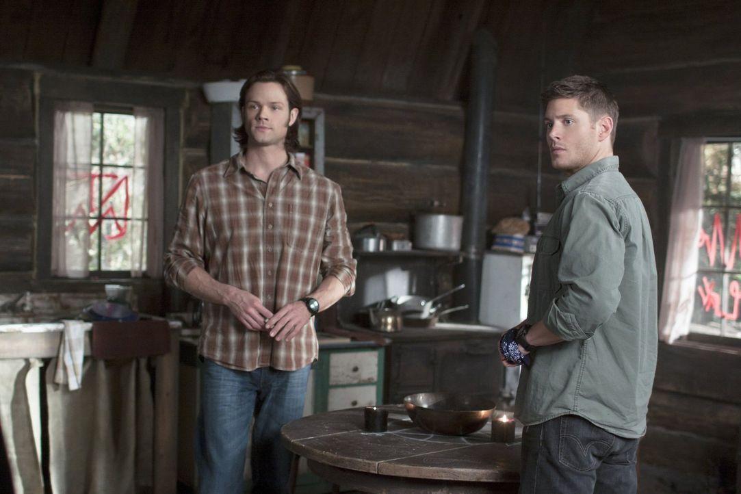Auf einmal ist Bobby verschwunden, der tote Freund von Sam (Jared Padalecki, l.) und Dean (Jensen Ackles, r.) begleitet die beiden eigentlich immer... - Bildquelle: Warner Bros. Television