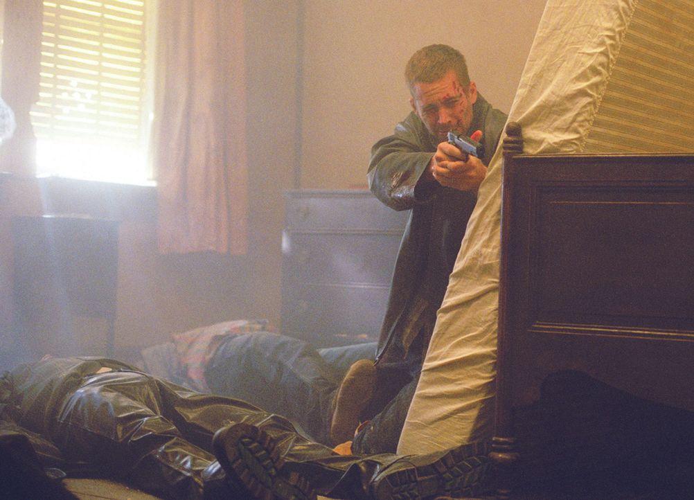 Eines Tages gerät der Kleinganove Joey Gazelle (Paul Walker) dank seines Leichtsinns mitten unter schießwütige Mordgesellen ...