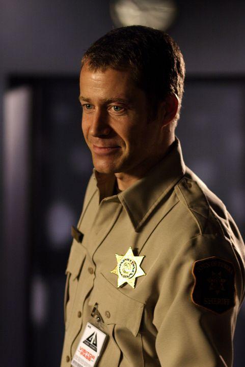 Will sich von Allison keine Lebens- und Krankenversicherung aufschwätzen lassen: Jack Carter (Colin Ferguson) ... - Bildquelle: Universal Television