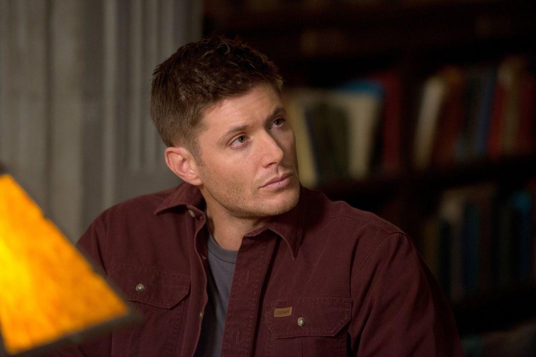 Dean (Jensen Ackles) bekommt Zweifel an der Aufrichtigkeit von Ezekiel, doch was soll er gegen den Engel tun, der seinen Bruder am Leben erhält? - Bildquelle: 2013 Warner Brothers