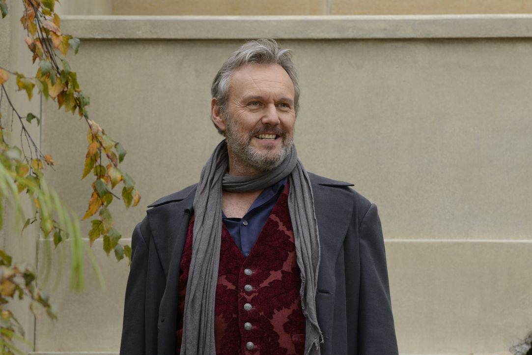 Paracelsus (Anthony Stewart Head) - Bildquelle: Steve Wilkie 2012 Universal Network Television LLC. ALL RIGHTS RESERVED. / Steve Wilkie
