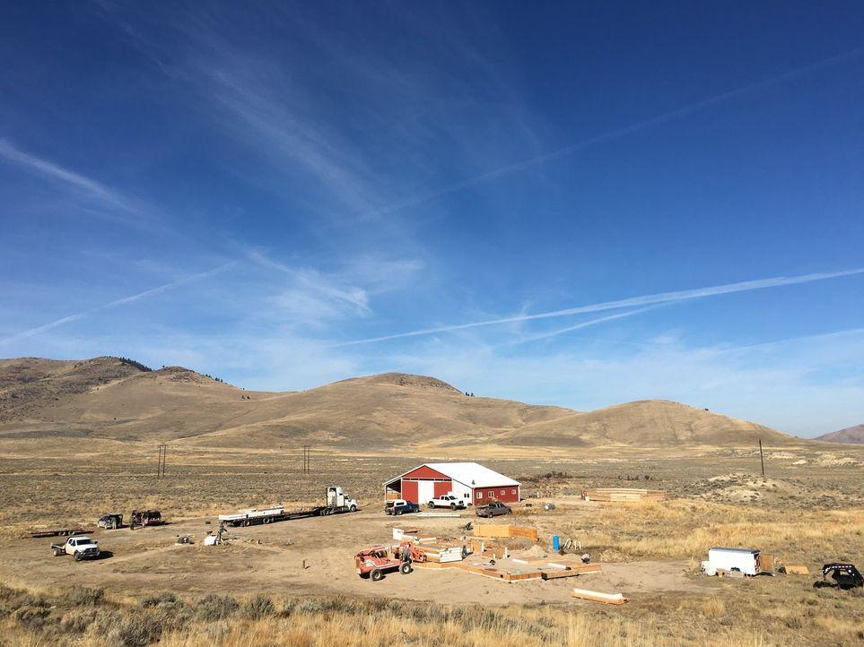 Die nächsten Nachbarn sind weit entfernt, dennoch wird es den Smiths in der Wildnis Montanas bestimmt nicht an Besuchern mangeln, denn hier gibt es... - Bildquelle: 2016,DIY Network/Scripps Networks, LLC. All Rights Reserved.
