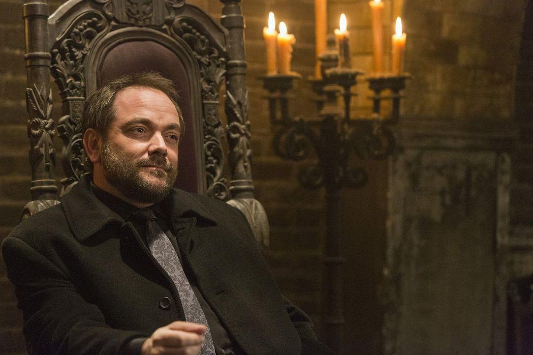 Werden sich Crowley (Mark Sheppard) und seine Dämonen tatsächlich darauf einlassen, in einer Armee aus ungewöhnlichen Verbündeten gegen Amara zu käm... - Bildquelle: 2014 Warner Brothers
