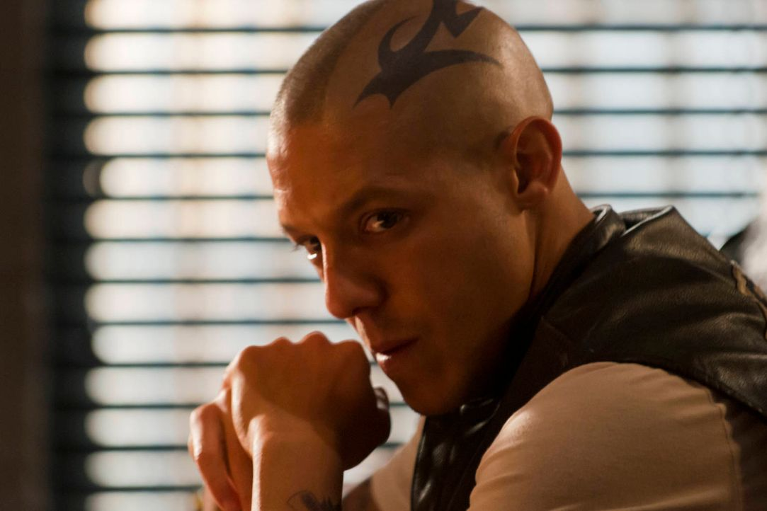 Auf ihn kommen große Veränderungen zu: Juice (Theo Rossi) ... - Bildquelle: 2012 Twentieth Century Fox Film Corporation and Bluebush Productions, LLC. All rights reserved.