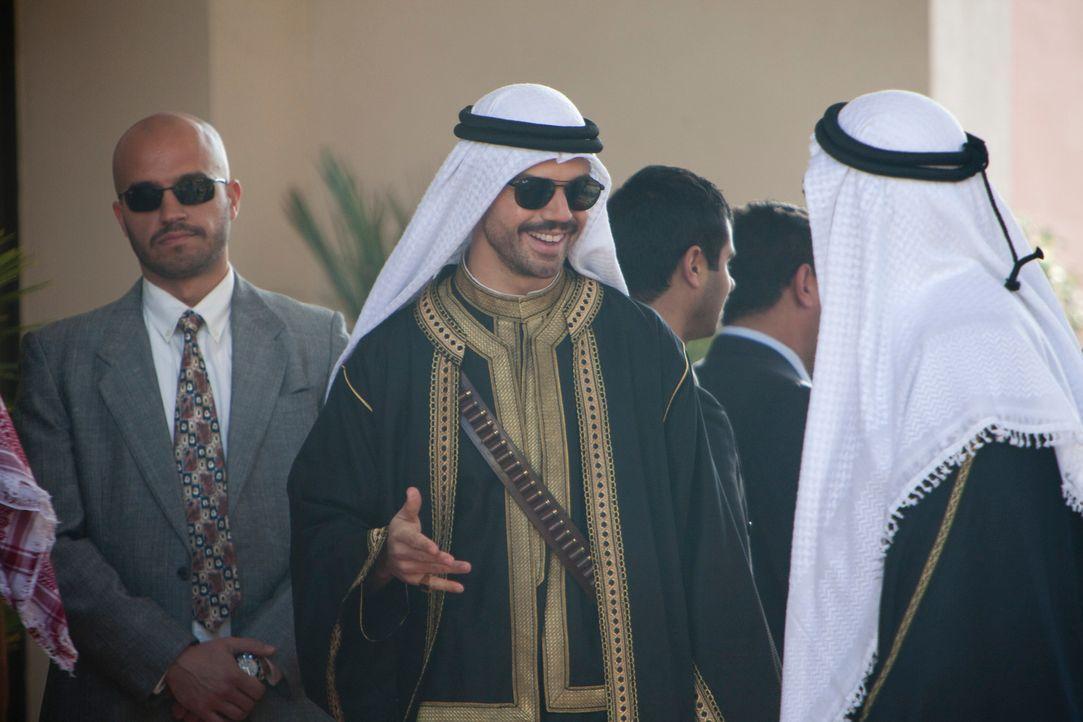Uday Hussein (Dominic Cooper, M.), Sohn von Diktator Saddam Hussein, ist bekannt für seine sadistischen Neigungen und seinen ausschweifenden Lebenss... - Bildquelle: 2013, Falcom Media