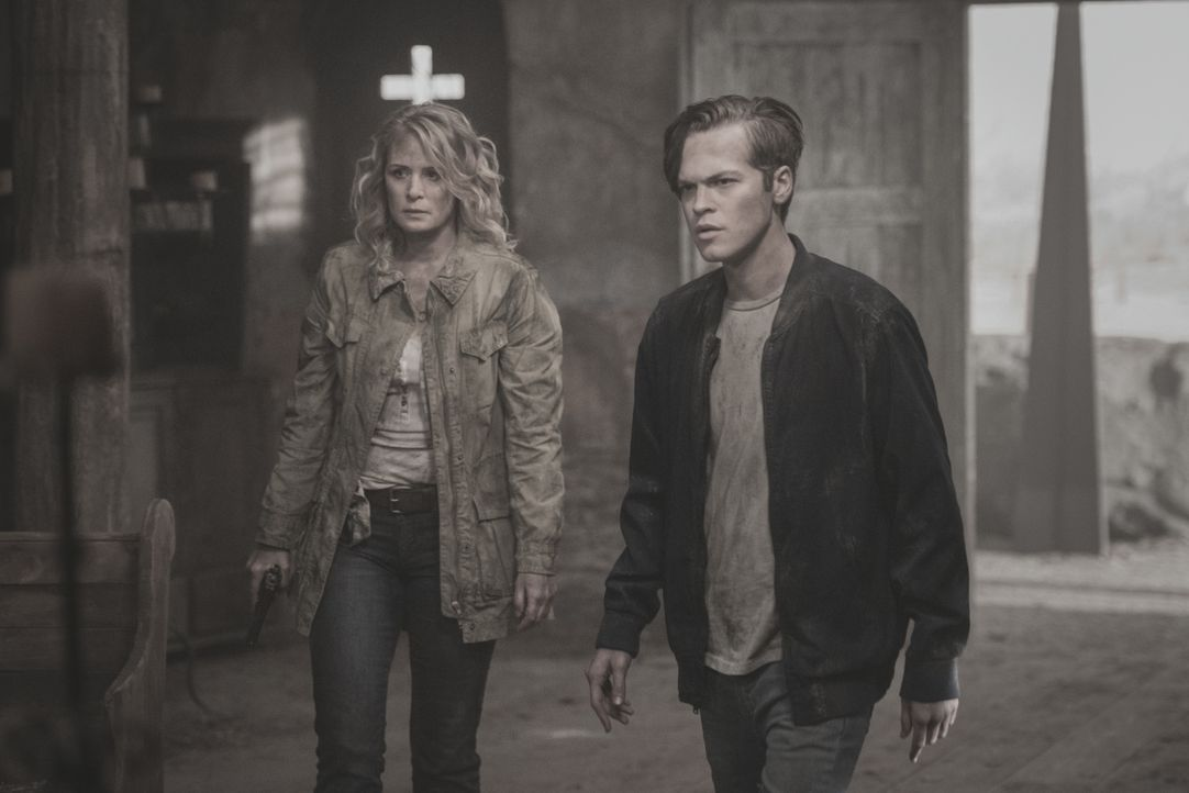 Mary (Samantha Smith, l.); Jack (Alexander Calvert, r.) - Bildquelle: Dean Buscher 2018 The CW Network, LLC. All Rights Reserved / Dean Buscher
