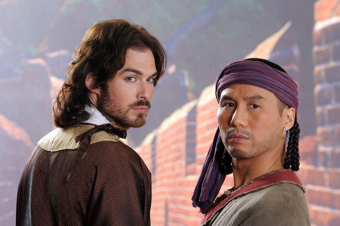 Zwei in einer fremden, faszinierenden Welt: Marco Polo (Ian Somerhalder, l.) und sein treuer Diener Pedro (B.D. Wong, r.). - Bildquelle: 2006 RHI Entertainment Distribution, LLC