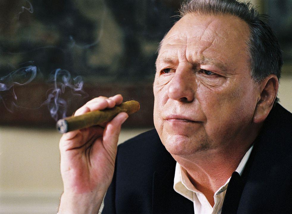Sein Boss Jimmy Price (Kenneth Cranham) macht ihm mit zwei speziellen Aufträgen einen Ausstieg aus dem Drogengeschäft unmöglich ... - Bildquelle: 2004 Columbia Pictures Industries, Inc. All Rights Reserved.