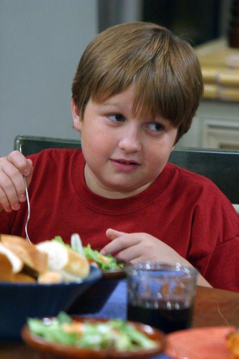 Jake (Angus T. Jones) ist vom neuen Freund seiner Mutter sehr beeindruckt und spricht nur in den höchsten Tönen von ihm. Alan fürchtet, sein Sohn kö... - Bildquelle: Warner Bros. Television