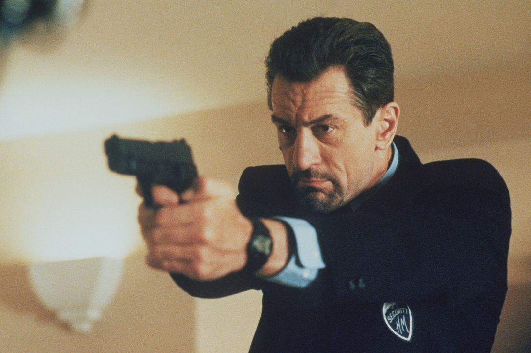 Der Profigangster McCauley (Robert De Niro) narrt die Polizei von Los Angeles immer wieder mit perfekt geplanten Überfällen. Nach wenigen Minuten li... - Bildquelle: Warner Bros.