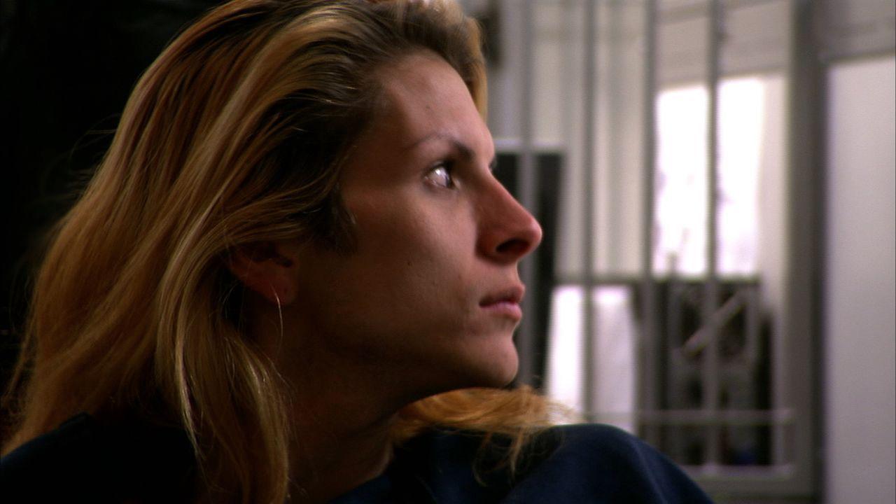 """Die Transgender-Escortdame Krystina landet im Gefängnis von Las Vegas, weil sie einem Polizeibeamten nicht ihren Geburtsnamen """"Paul Allen"""" geben wol... - Bildquelle: James Peterson National Geographic Channels/ Part2 Pictures"""