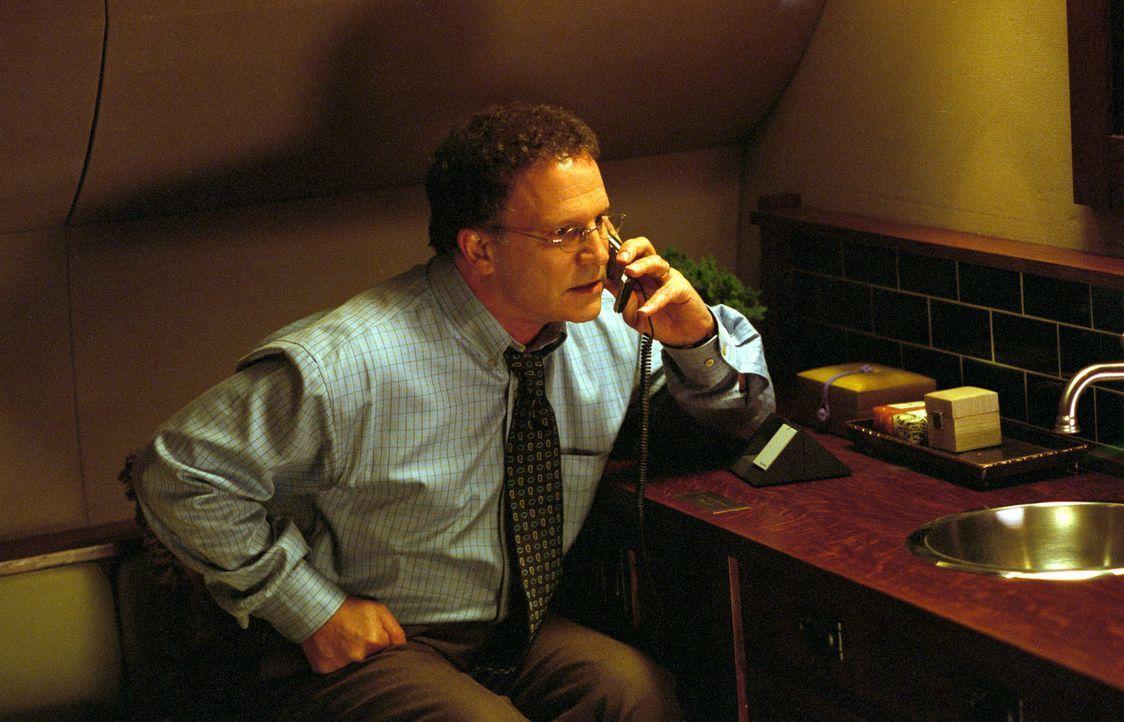 Ist hinter Steves Geheimnis gekommen: Jerry Peyser (Albert Brooks) ... - Bildquelle: Warner Bros.