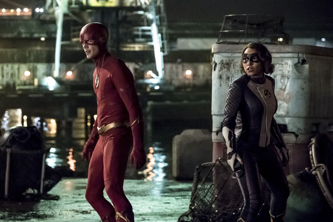Barry alias The Flash (Grant Gustin, l.); Nora alias XS (Jessica Parker Kennedy, r.) - Bildquelle: Katie Yu 2018 The CW Network, LLC. All rights reserved.
