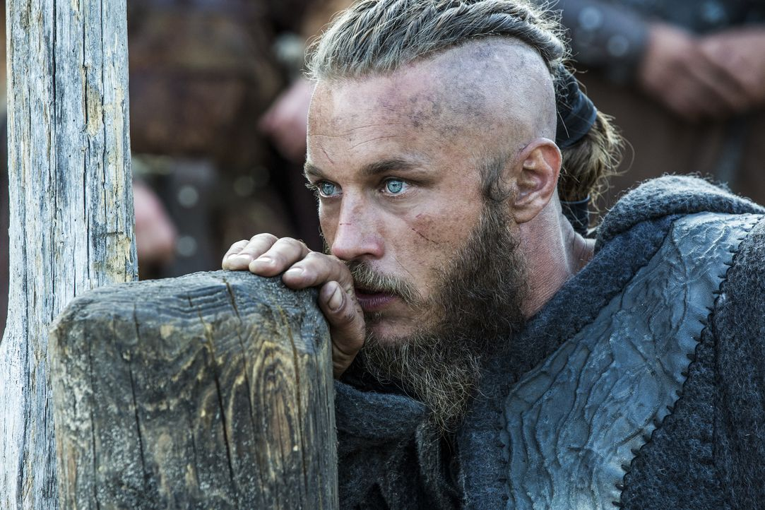 Die Verhandlungen zwischen Ragnar (Travis Fimmel) und Jarl Borg sind gescheitert - eine große Schlacht steht bevor ... - Bildquelle: 2013 TM TELEVISION PRODUCTIONS LIMITED/T5 VIKINGS PRODUCTIONS INC. ALL RIGHTS RESERVED.