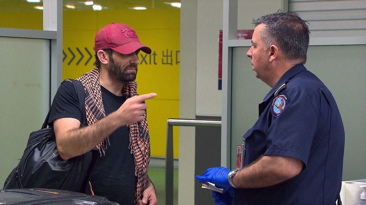 Die Beamten entdecken in Brisbane einen lebensgefährlichen Drogenschmuggel: ... - Bildquelle: Seven Productions 2018