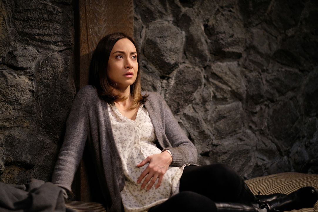 Kelly (Courtney Ford) - Bildquelle: Robert Falconer 2016 The CW Network, LLC. All Rights Reserved / Robert Falconer