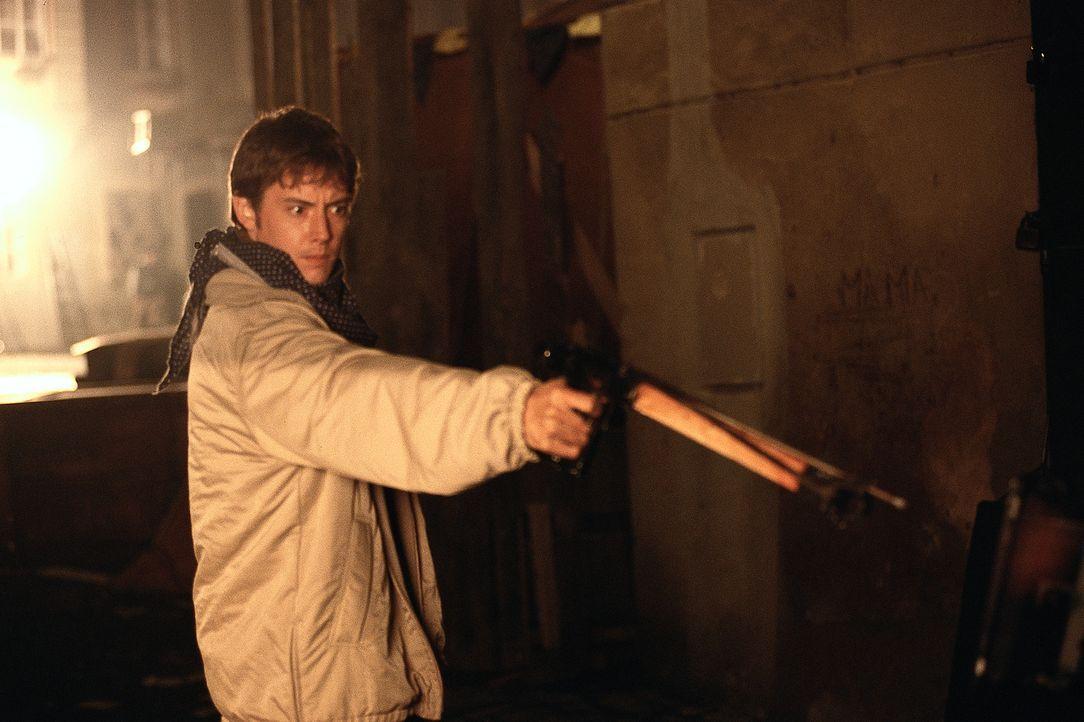 Für seine große Liebe Elizabeth geht Luke (Jason London) bis ans Äußerste und nimmt den Kampf gegen die Blutsauger, die sie gefangen halten, auf ...... - Bildquelle: Buena Vista Home Entertainment, Inc. All rights reserved