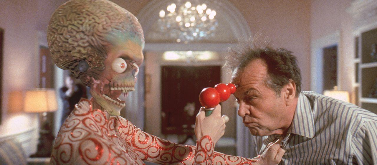 Eine Begegnung der dritten Art mit fatalen Folgen: Präsident Dale (Jack Nicholson) vermasselt die diplomatische Kontaktaufnahme mit den Invasoren vo... - Bildquelle: Warner Bros. Pictures