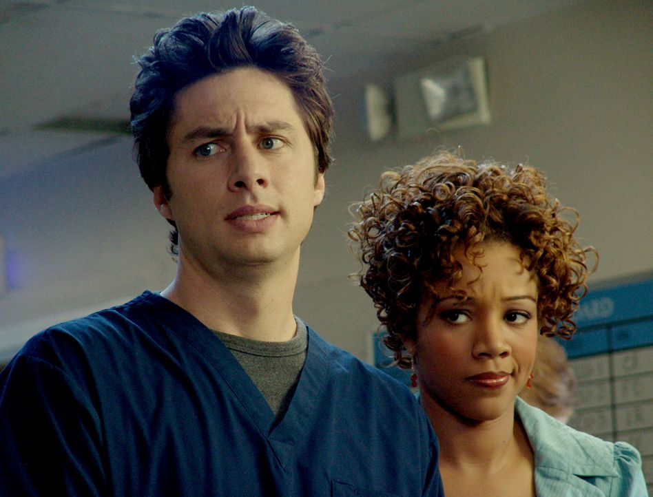 Kylie (Chrystee Pharris, r.) besucht J.D. (Zach Braff, l.) in der Klinik, der natürlich nun als Arzt in jeder Weise glänzen will, und sich daher etw... - Bildquelle: Touchstone Television