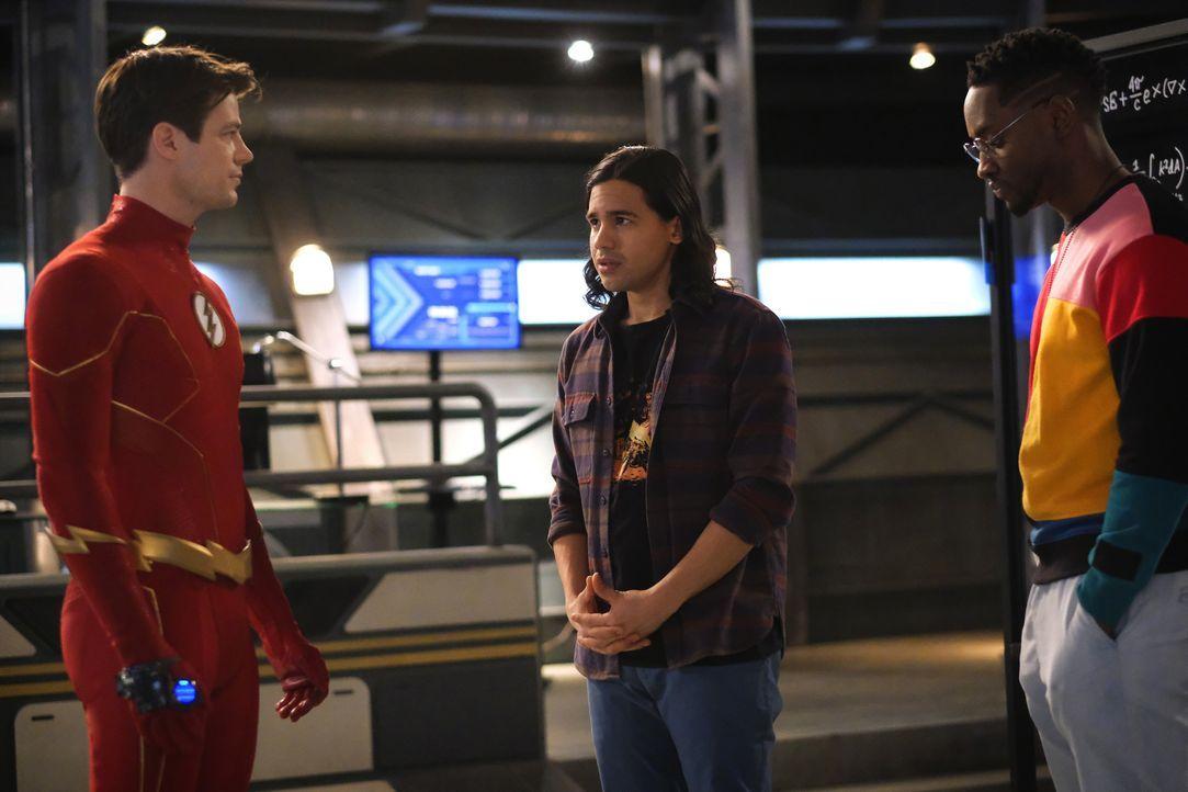 (v.l.n.r.) The Flash (Grant Gustin); Cisco Ramon (Carlos Valdes); Chester P. Runk (Brandon McKnight) - Bildquelle: Warner Bros. Entertainment Inc. All Rights Reserved.