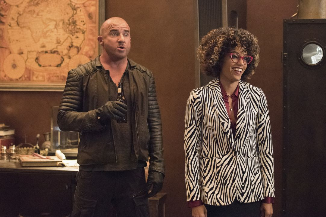 Rory (Dominic Purcell, l.); Charlie (Maisie Richardson-Sellers, r.) - Bildquelle: Dean Buscher 2019 The CW Network, LLC. All rights reserved. / Dean Buscher