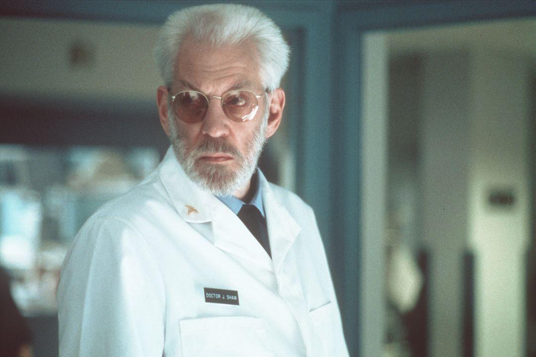 Vor langer Zeit hat CIA-Boss Jack Shaw (Donald Sutherland) die Jagd nach dem Topterroristen Carlos zur Chefsache gemacht. Dennoch kann ihm ''Der Sch... - Bildquelle: Sony Pictures Entertainment