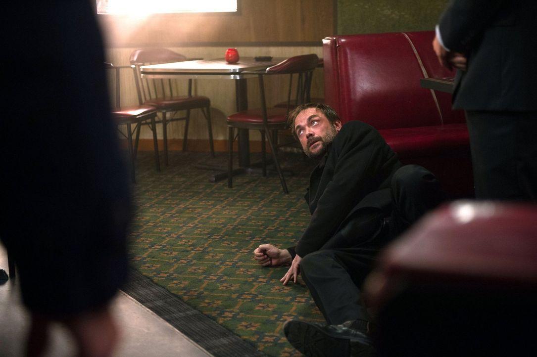 Crowley (Mark Sheppard) erkennt, dass er handeln muss, wenn er die Kontrolle über Dean und damit sein Ansehen als König der Hölle nicht verlieren wi... - Bildquelle: 2016 Warner Brothers