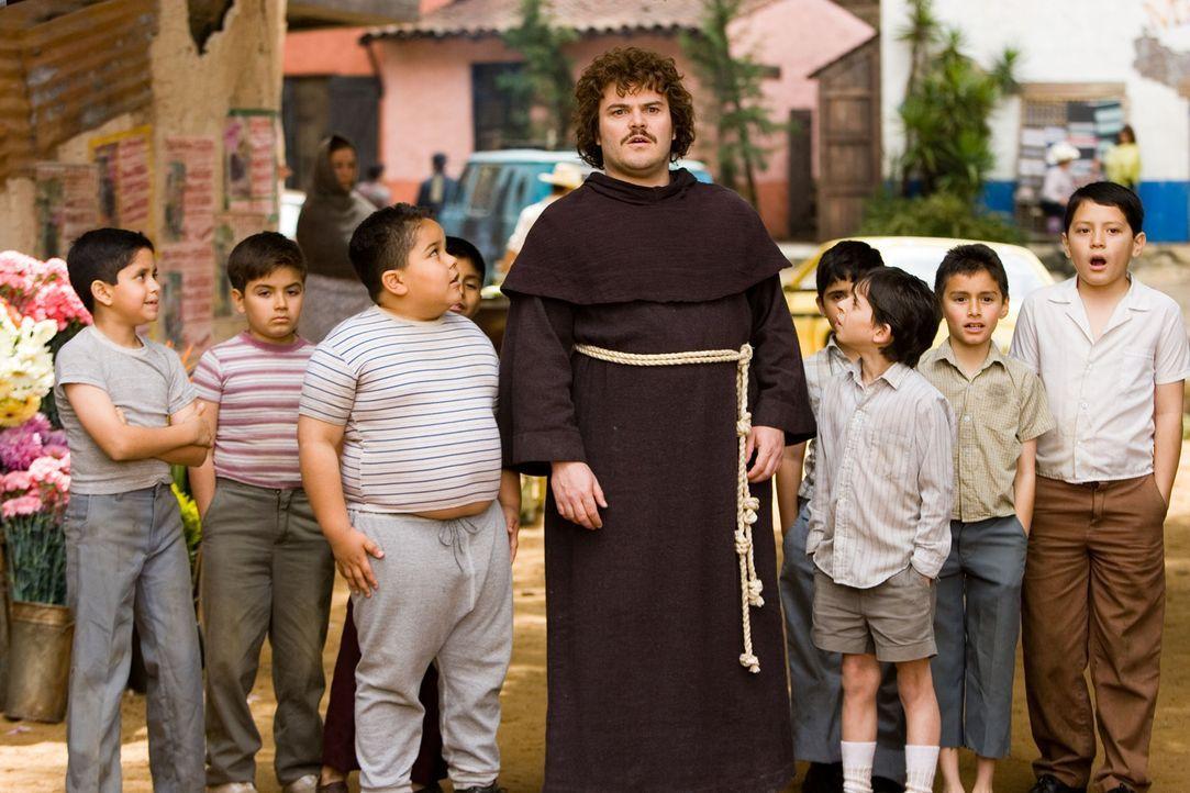 Der Koch eines mexikanischen Klosters, Ignacio (Jack Black, M.), hat eine außergewöhnliche Idee, wie er an Geld kommen könnte, um den Waisenhauskind... - Bildquelle: Paramount Pictures