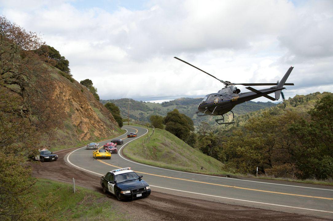 Bei einem besonderen, illegalen Rennen in San Francisco verfolgen sich die Teilnehmer nicht nur gegenseitig, sondern versuchen gleichzeitig, die Cop... - Bildquelle: 2014 Constantin Film Verleih GmbH.