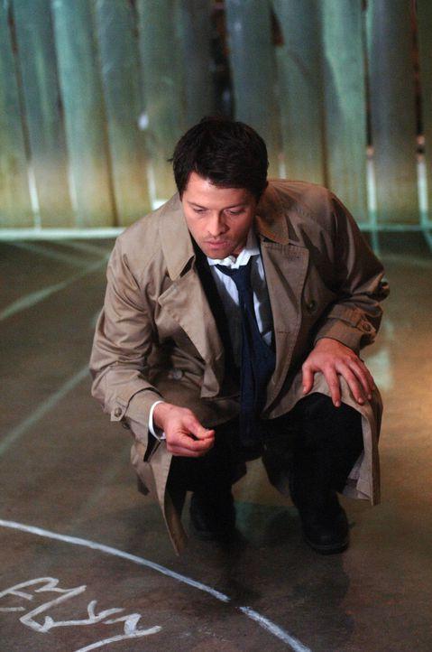 Vermutet einen Verräter in den eigenen Reihen: Castiel (Misha Collins) ... - Bildquelle: Warner Bros. Television