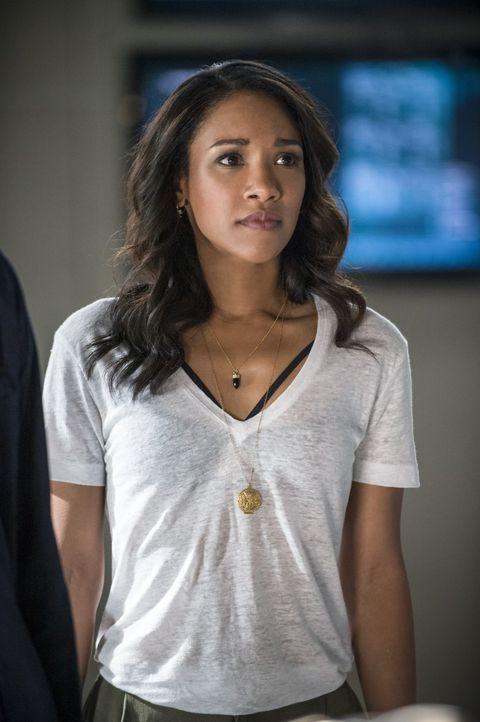 Iris (Candice Patton) versucht alles, um Barry davon zu überzeugen, dass er nicht alleine gegen das Böse in den Krieg ziehen muss ... - Bildquelle: 2015 Warner Brothers.