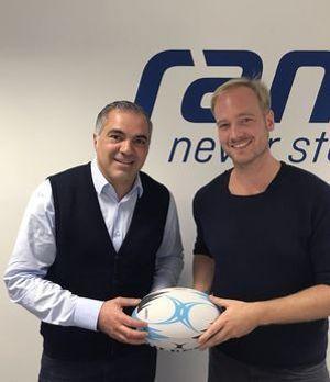 """Aiman Abdallah (l.) und Jan Lüdeke präsentieren """"ran Rugby"""" auf ProSieben MAXX"""