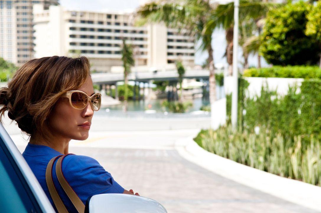 Scheinbar hat sie das Glück endlich gefunden: Leslie (Jennifer Lopez) zieht einen profitablen Kunden an Land ... - Bildquelle: Jack English 2013 Constantin Film Verleih GmbH