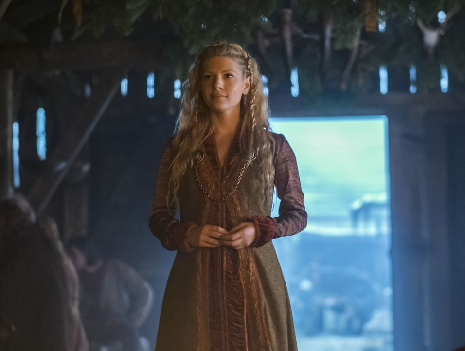 Freut sich, ihren Sohn Bjorn zu sehen: Lagertha (Katheryn Winnick) ... - Bildquelle: 2016 TM PRODUCTIONS LIMITED / T5 VIKINGS III PRODUCTIONS INC. ALL RIGHTS RESERVED.