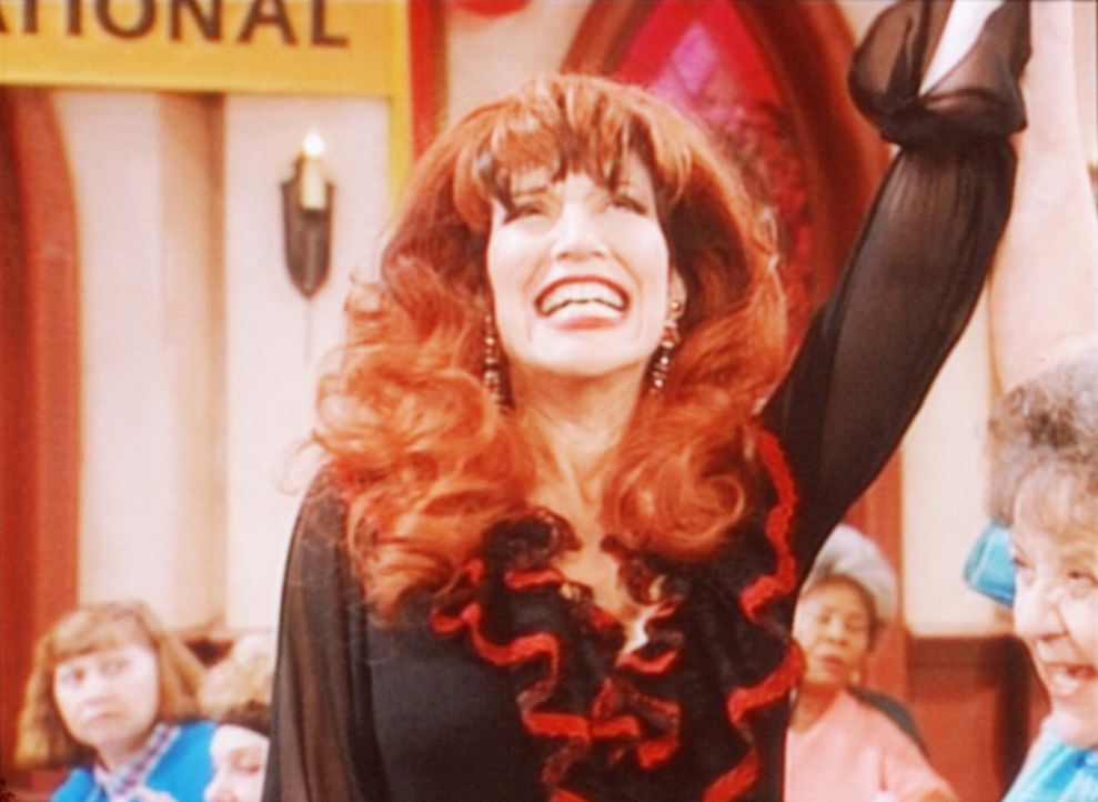 Soeben hat Peggy (Katey Sagal) bei der Bingo-Weltmeisterschaft 10.000 Dollar gewonnen. - Bildquelle: Sony Pictures Television International. All Rights Reserved.