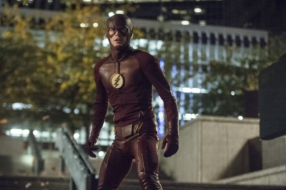 Steht immer noch im Fadenkreuz von Zoom: Barry alias The Flash (Grant Gustin) ... - Bildquelle: 2015 Warner Brothers.
