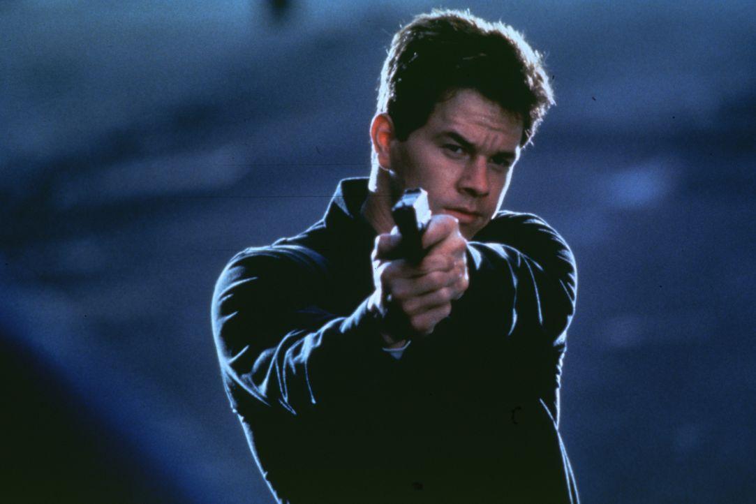 Erst spät erkennt Danny (Mark Wahlberg), dass nichts so ist, wie es auf den ersten Blick scheint ... - Bildquelle: Kinowelt Filmverleih GmbH