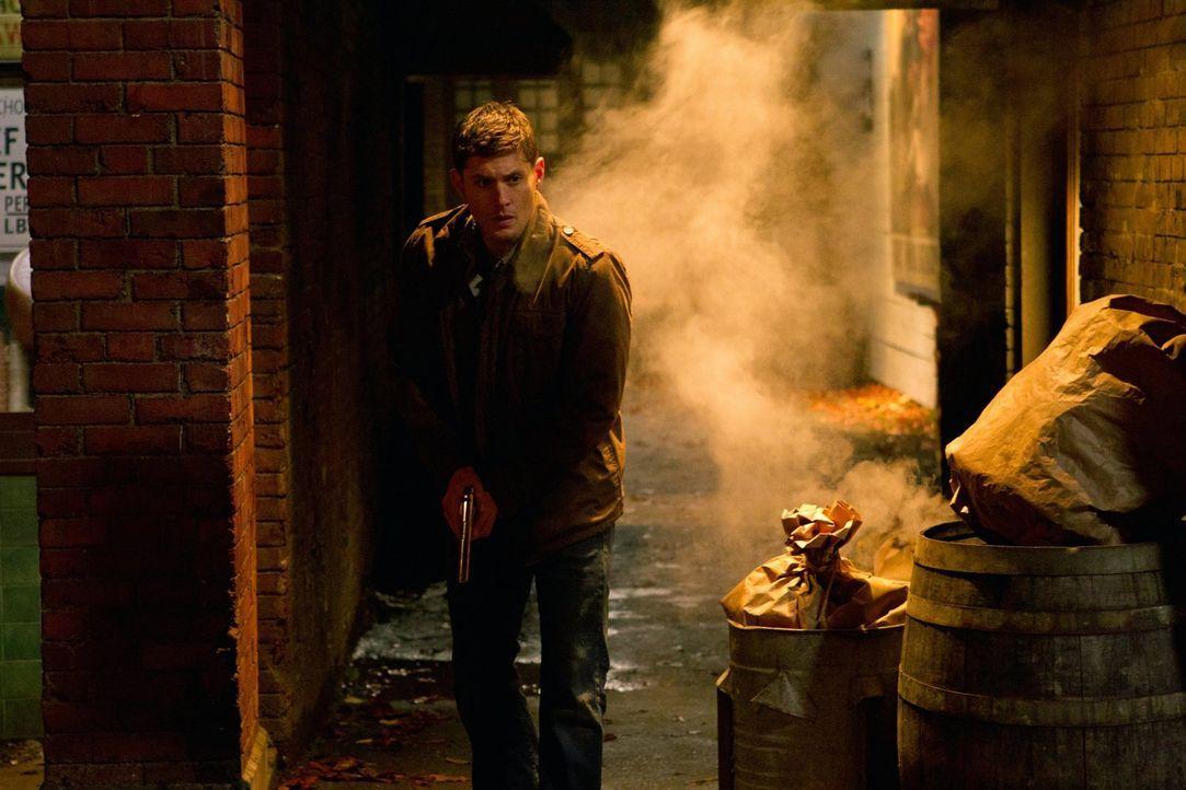 Dean (Jensen Ackles) wird vom Gott der Zeit ins Jahr 1944 geschickt und trifft dort auf niemand anderen als Eliot Ness ... - Bildquelle: Warner Bros. Television